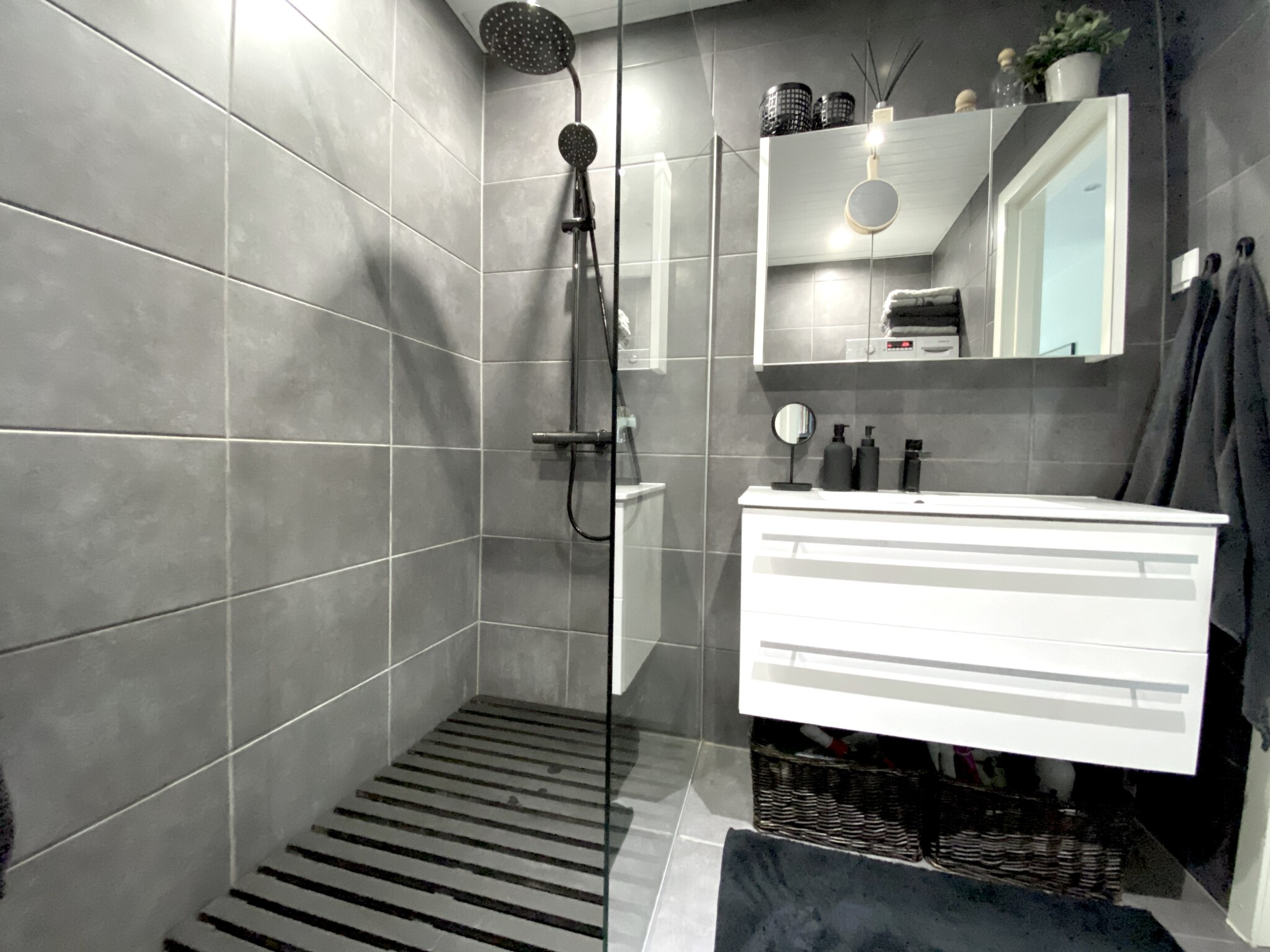 kuidas värskendada vannituba soodsalt ja tolmuta?